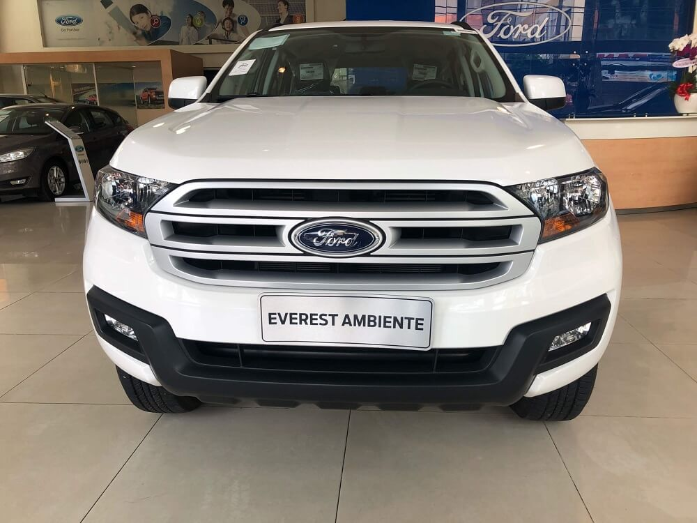 Giá xe Ford Everest Ambiente